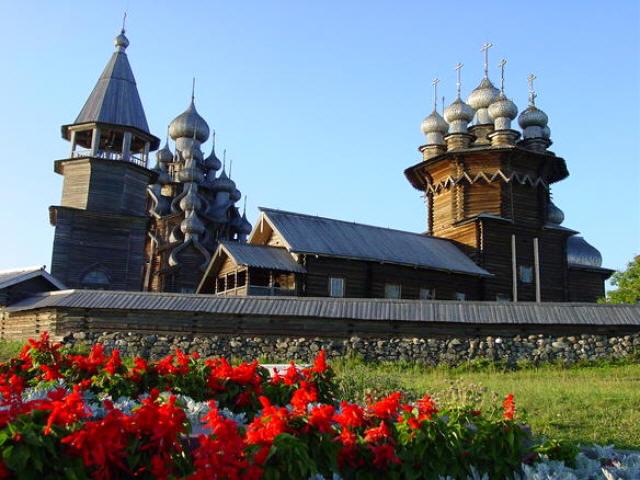 Россия вошла в десятку самых посещаемых стран мира