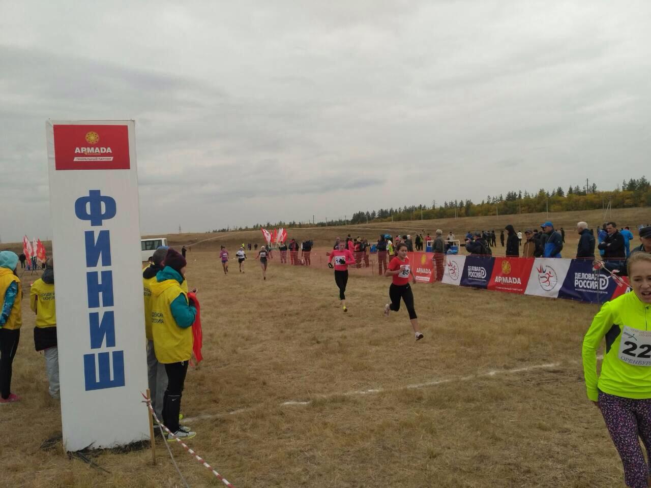 ВНежинке стартовал чемпионат РФ полегкоатлетическому кроссу