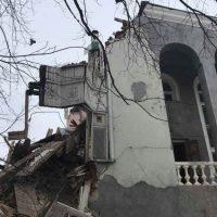История одного сноса. В Оренбурге разрушили особняк «обкомовской дачи» на набережной