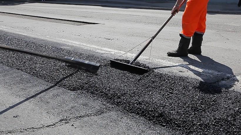 В Оренбурге на ремонт дорог выделили два миллиарда рублей