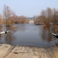 Паводок набирает обороты: в Оренбургской области под воду ушли 11 мостов