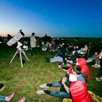 Летние созвездия и легенды: «Смотри на звезды» открыли сезон лекций под открытым небом