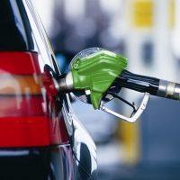 Правительство ищет способы удержать рост цен на бензин