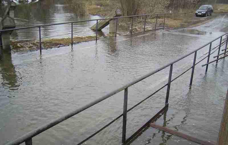 В Бузулуке из-за паводка закрывают два низководных моста