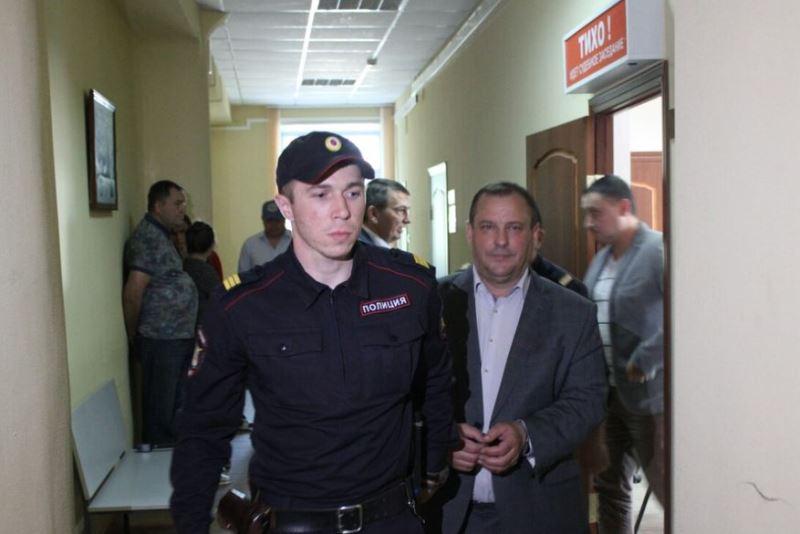 Защита Маслова намерена обжаловать решение об аресте экс-министра
