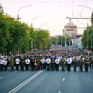 Тысячи оренбуржцев зажгли свечи в память о погибших в годы Великой Отечественной войны