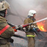 В центре Оренбурга тушили пожар на площади 300 квадратных метров