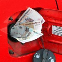 Эксперты предрекли подорожание бензина до 100 рублей за литр