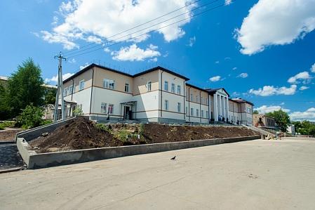 В Медногорске завершают реконструкцию городской поликлиники