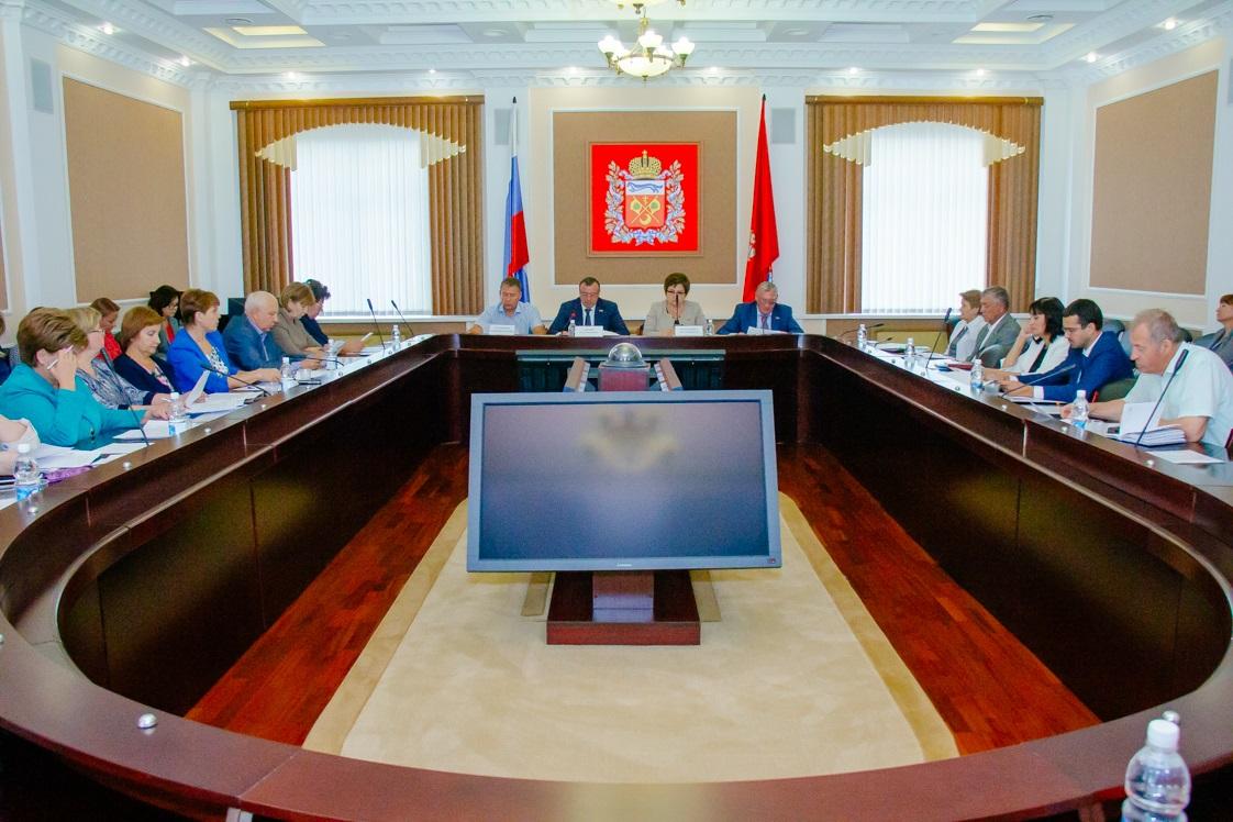 меня фото депутаты оренбургской области месяц лета может
