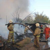 Дым за Уралом. Крупный пожар в пригороде Оренбурга тушили несколько часов