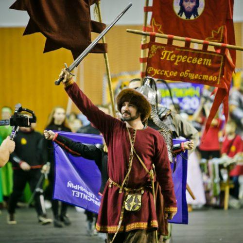 Евпатий Коловрат и богатырские забавы: в Оренбурге прошел турнир по историческому фехтованию