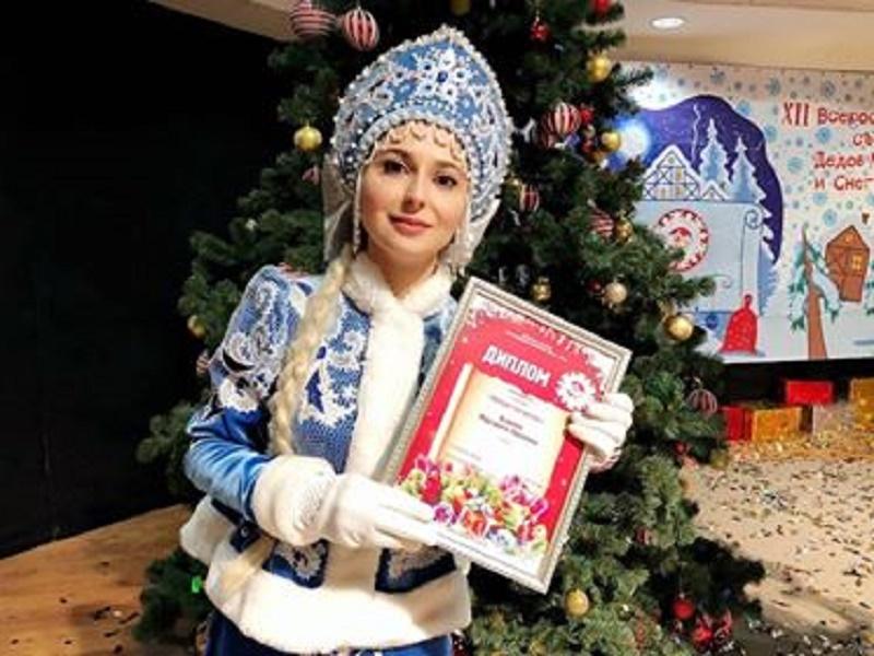 В Гилевской роще состоится новогодний Забег Снегурочек | 600x800