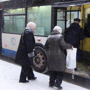В Оренбурге пенсионерку ударило током в троллейбусе