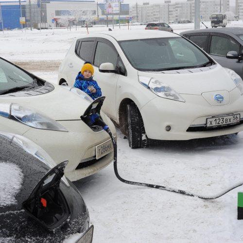 Одна на всех. Оренбуржцам не хватает заправок для электромобилей?