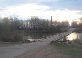 Большая вода уходит: движение по мосту через Салмыш открыто
