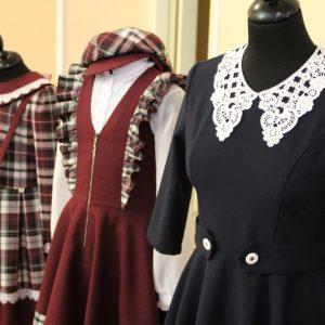 В трех муниципалитетах Оренбуржья выдали все талоны на школьную форму