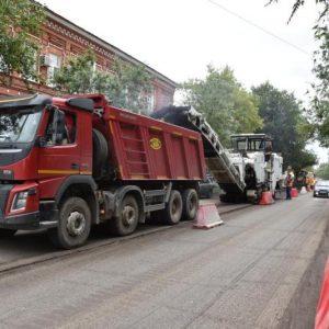 Успеть в срок: дороги в Оренбурге стали ремонтировать по ночам