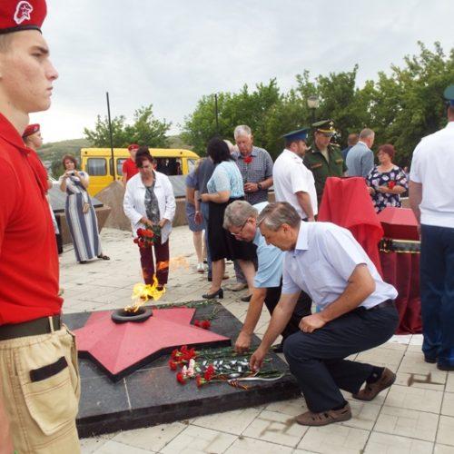 Долгая дорога домой. В Кувандыке с воинскими почестями перезахоронили останки солдата Великой Отечественной войны