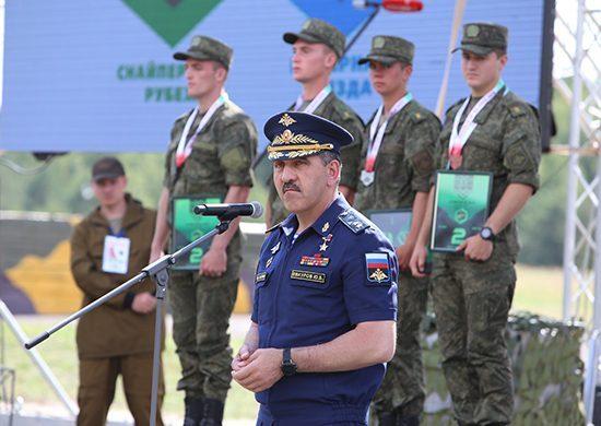 На полигоне под Оренбургом побывал замминистра обороны Юнус-Бек Евкуров