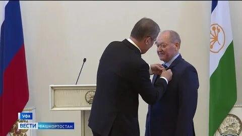 Орден Салавата Юлаева вручили худруку Оренбургского драмтеатра Рифкату Исрафилову