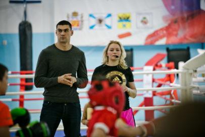 Победитель Олимпиады и чемпион мира провели мастер-класс для юных боксеров Оренбурга