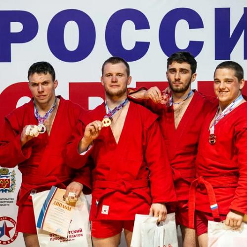 Чемпионат России по самбо в Оренбурге: первые медалисты определены