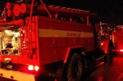 Ночью на улице Салмышской в Оренбурге подожгли автомобиль