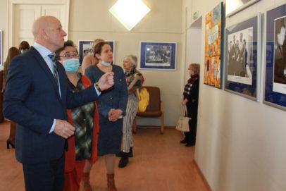 Архивная выставка в честь 60-летия первого полета в космос работает в Оренбурге