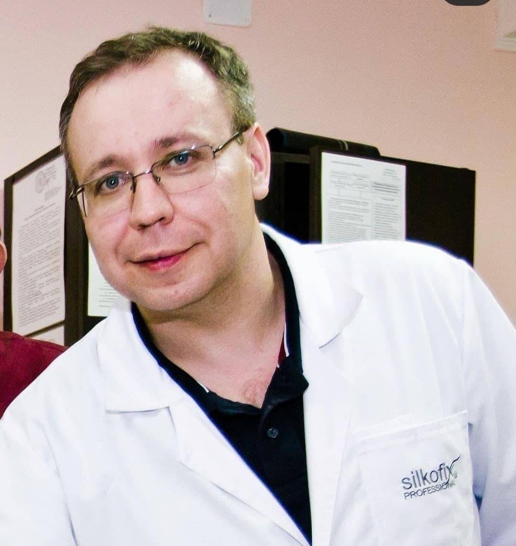 В Оренбурге скончался нейрохирург больницы им. Пирогова Роман Садыков