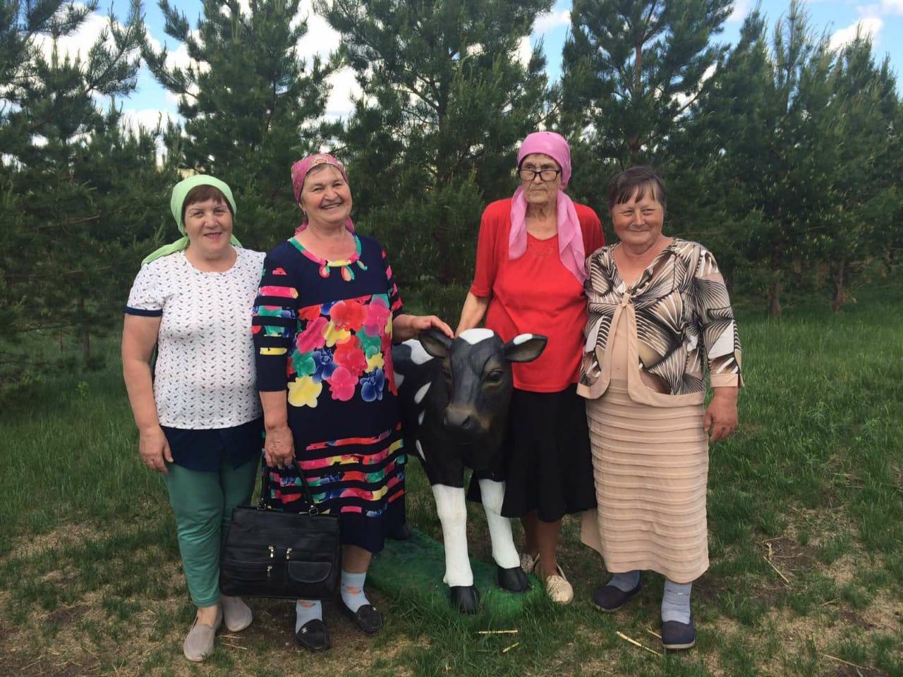 Пенсионеры Александровского района в рамках социального туризма отдохнули в парке Луна