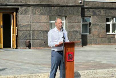 Губернатор Оренбуржья Денис Паслер вручил 28 новых автомобилей главврачам больниц области