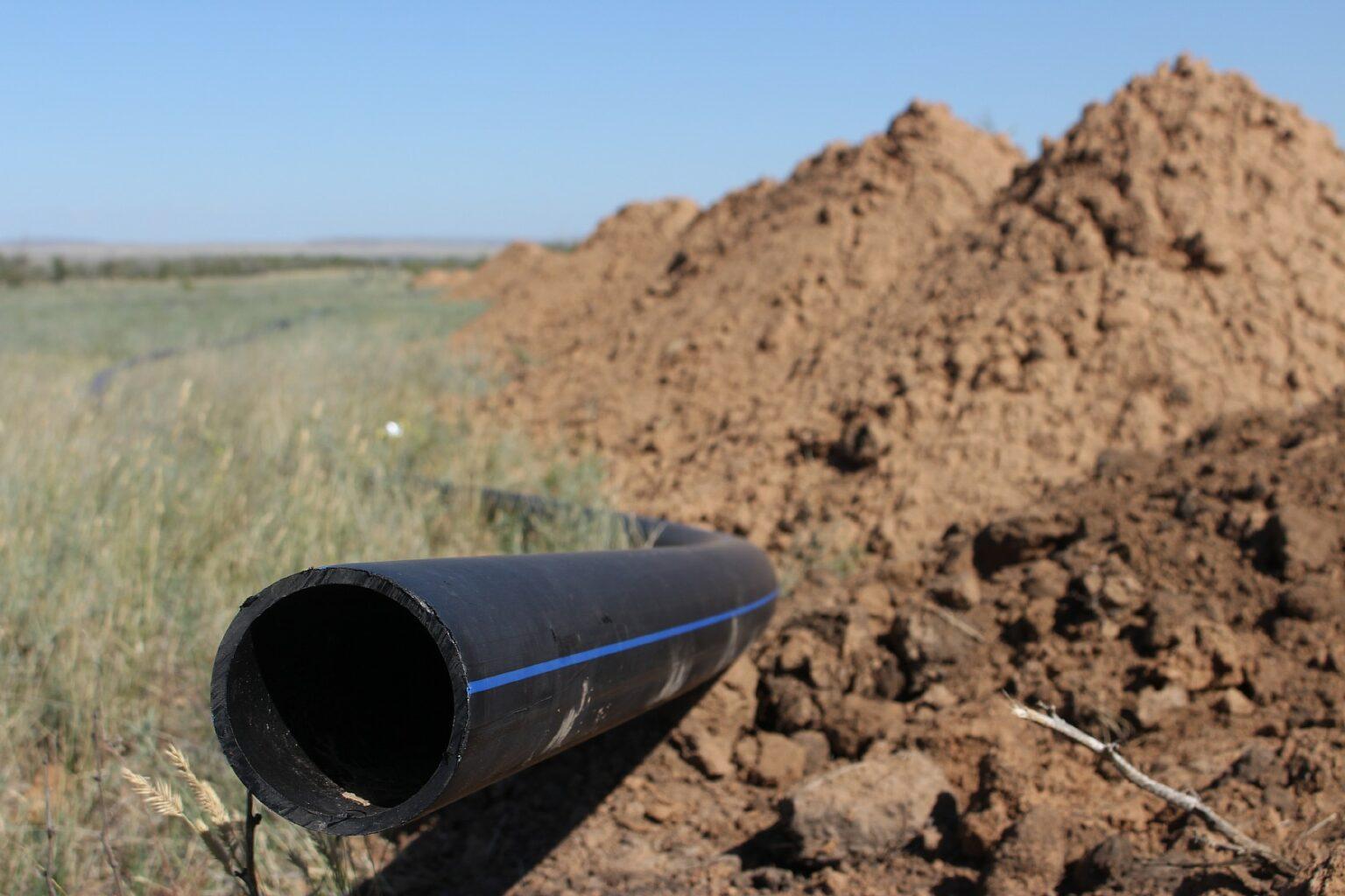 В селах Беляевского района завершается реконструкция водопровода